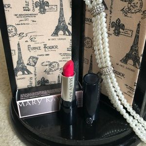 Mary Kay Semi-Matte Lipstick Powerful Pink